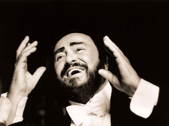 pavarotti-fix-sacha-gusov-31f7f7d834df54fe1ec8efc1d882a9ac02106acb-s1600-c85